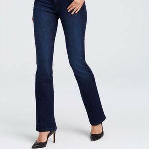 NWT Ann Taylor Curvy Fit Bootcut Jeans  6